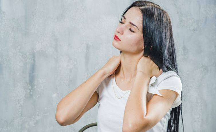 Boyun ağrısı neden olur bu noktalara dikkat edin!