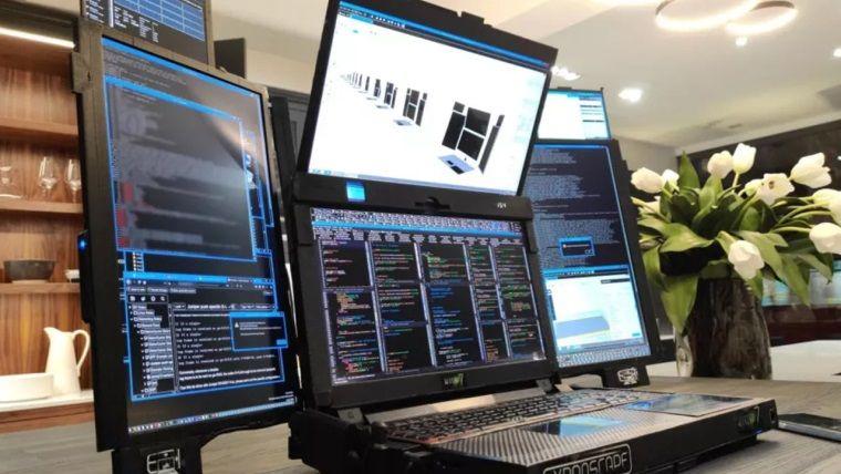 Bu laptop tam yedi farklı ekrana sahip! Aurora 7