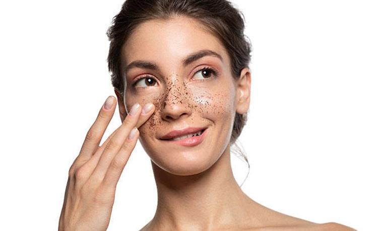 Cildi temizlemek için ne yapmalıyız yüzünüzü müslin bezle temizleyin!